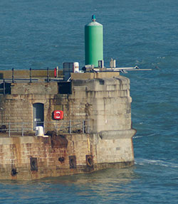 S Breakwater E Arm Head
